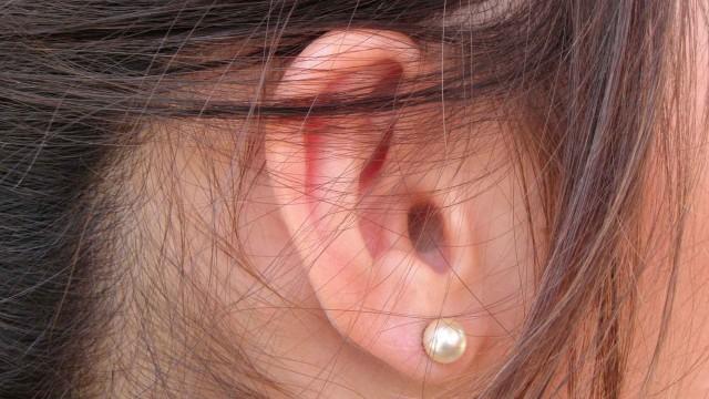 cropped-earsstraightitunes.jpg